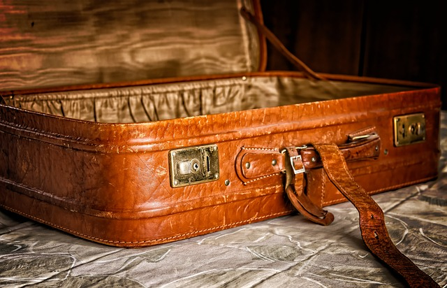 kožený kufr