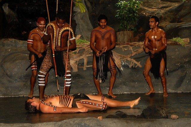 představení domorodců