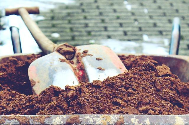 písek v kolečkách